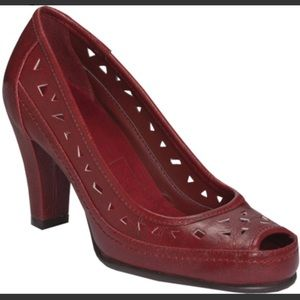 A2 Aerosoles Benchanted Red Pump With Cutouts 6.5M